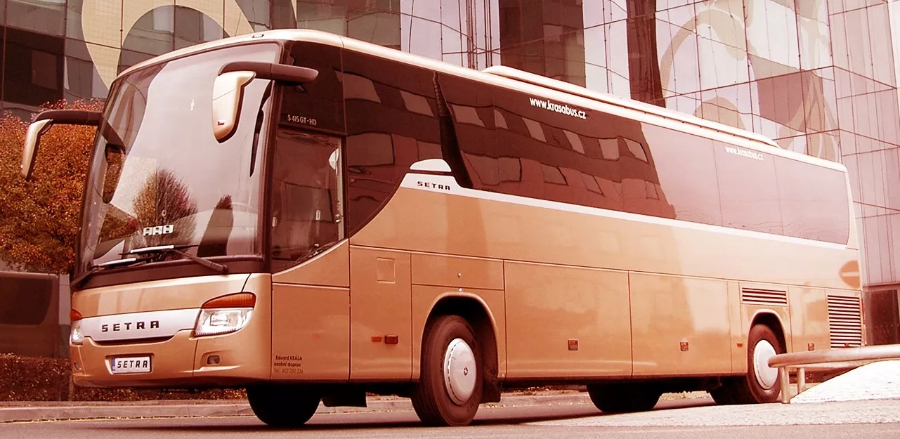 krasa bus krusne hory praha